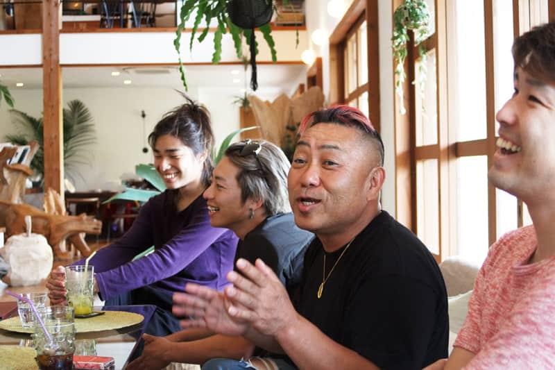 糸島 牡蠣小屋 服部屋 大将 牡蠣 人気 3 1